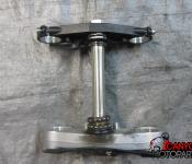 08-16 Yamaha YZF R6 Upper and Lower Triple Tree with Steering Stem